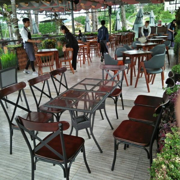 ghế cafe sắt gỗ chữ x