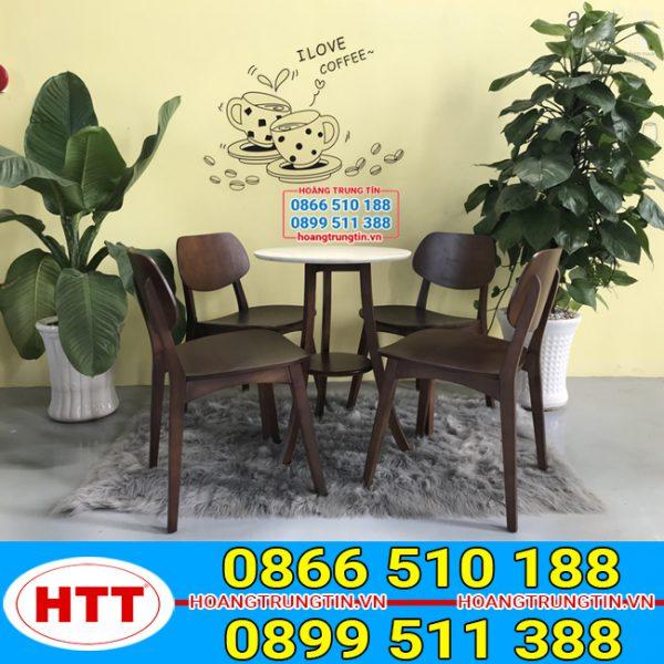 Bàn ghế gỗ màu đen
