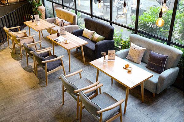 Bàn cafe kiểu dáng sofa mộc mạc