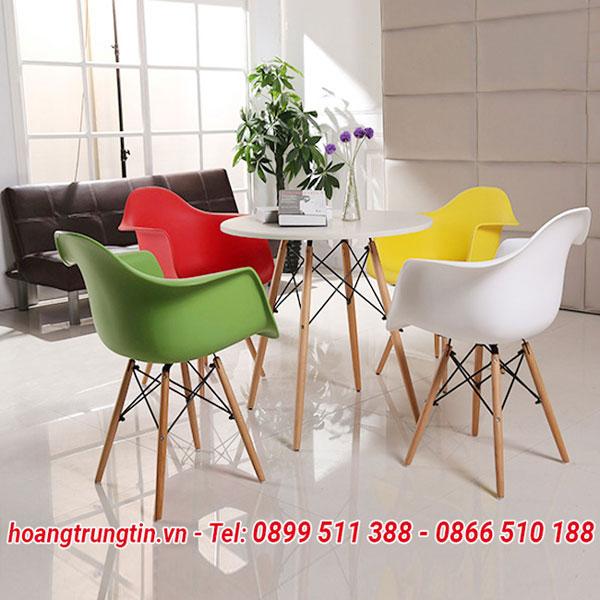 Bàn ghế trà sữa chân gỗ mặt nhựa