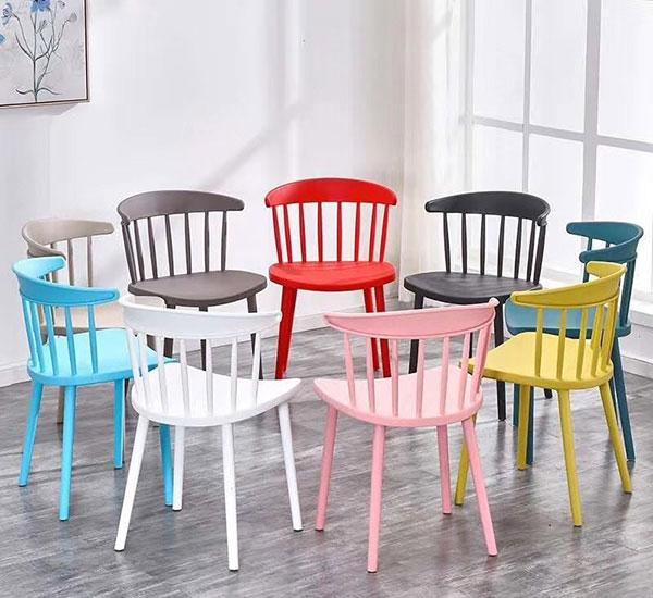 Bàn ghế nhựa trà sữa đa dạng màu sắc