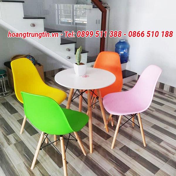 Bàn ghế nhựa trà sữa chân gỗ BGTSHTT001