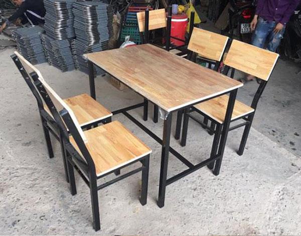 Bàn ghế quán ăn, quán nhậu gỗ sắt – BGQAHTT003