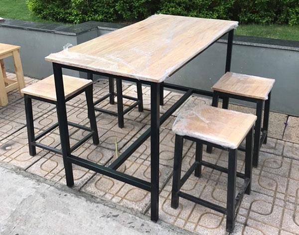 Bàn ghế quán ăn, quán nhậu khung sắt – BGQAHTT007