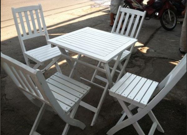 Bàn ghế xếp cafe chất liệu gỗ trẻ trung