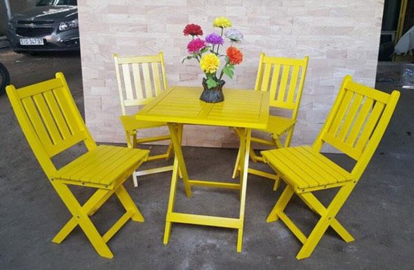 Bàn ghế xếp cafe từ gỗ