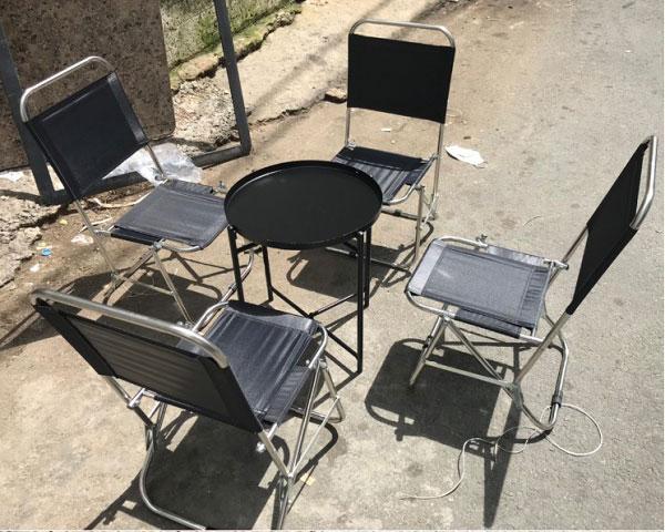 Bàn ghế xếp cafe từ inox chắc chắn