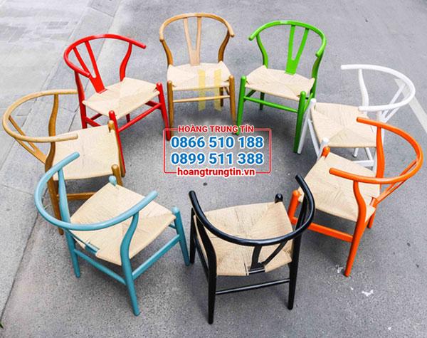 Ghế cafe chất liệu gỗ đa dạng màu sắc