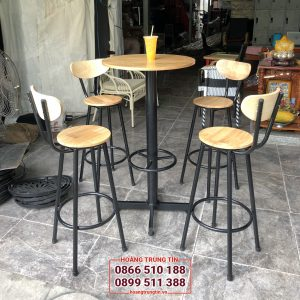Ghế bar chân sắt mặt gỗ cao su