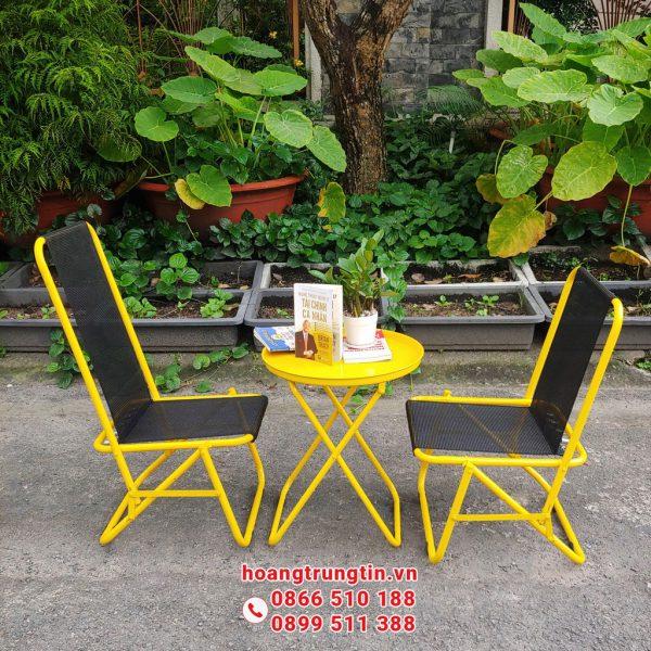 bàn ghế xếp lưới lò xo quán trà sữa